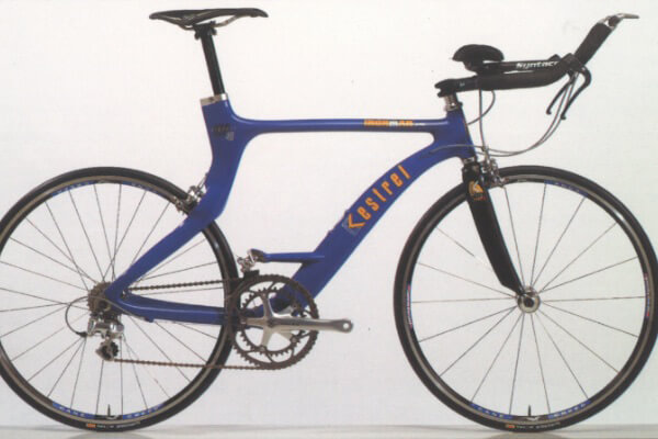 Photo of the world's first all carbon triathlon bike, the KM40
